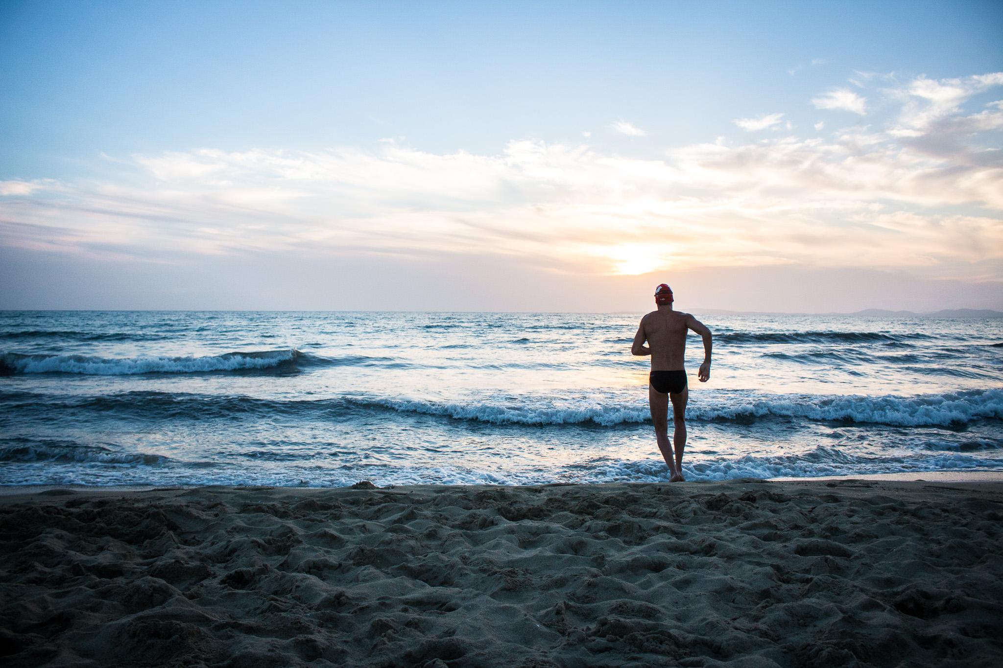 Havet – Att fota simning i öppet vatten