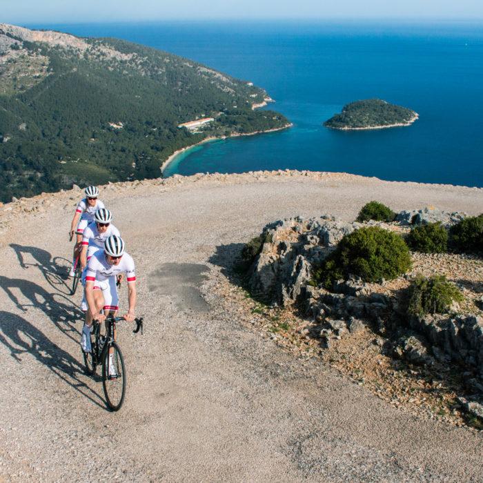 Sports photography: Pro Triathlon team cycling in Mallorca