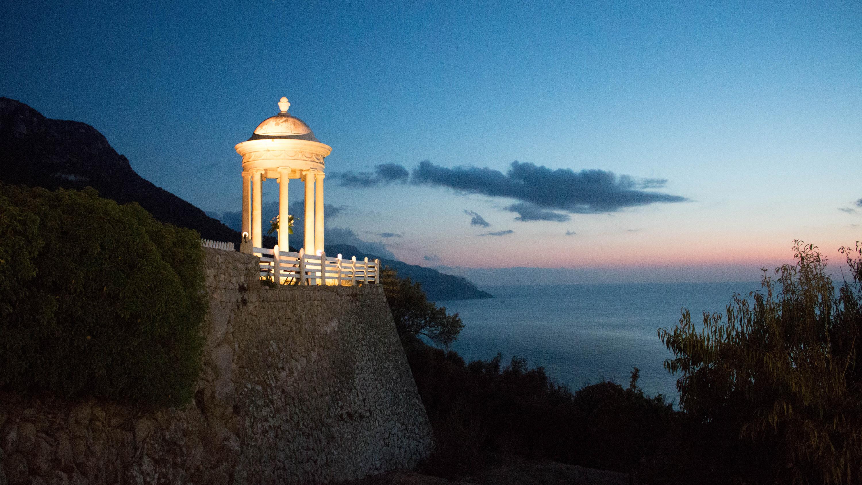 Tre ö-bröllop på en sommar – Mallorca och Ulvön