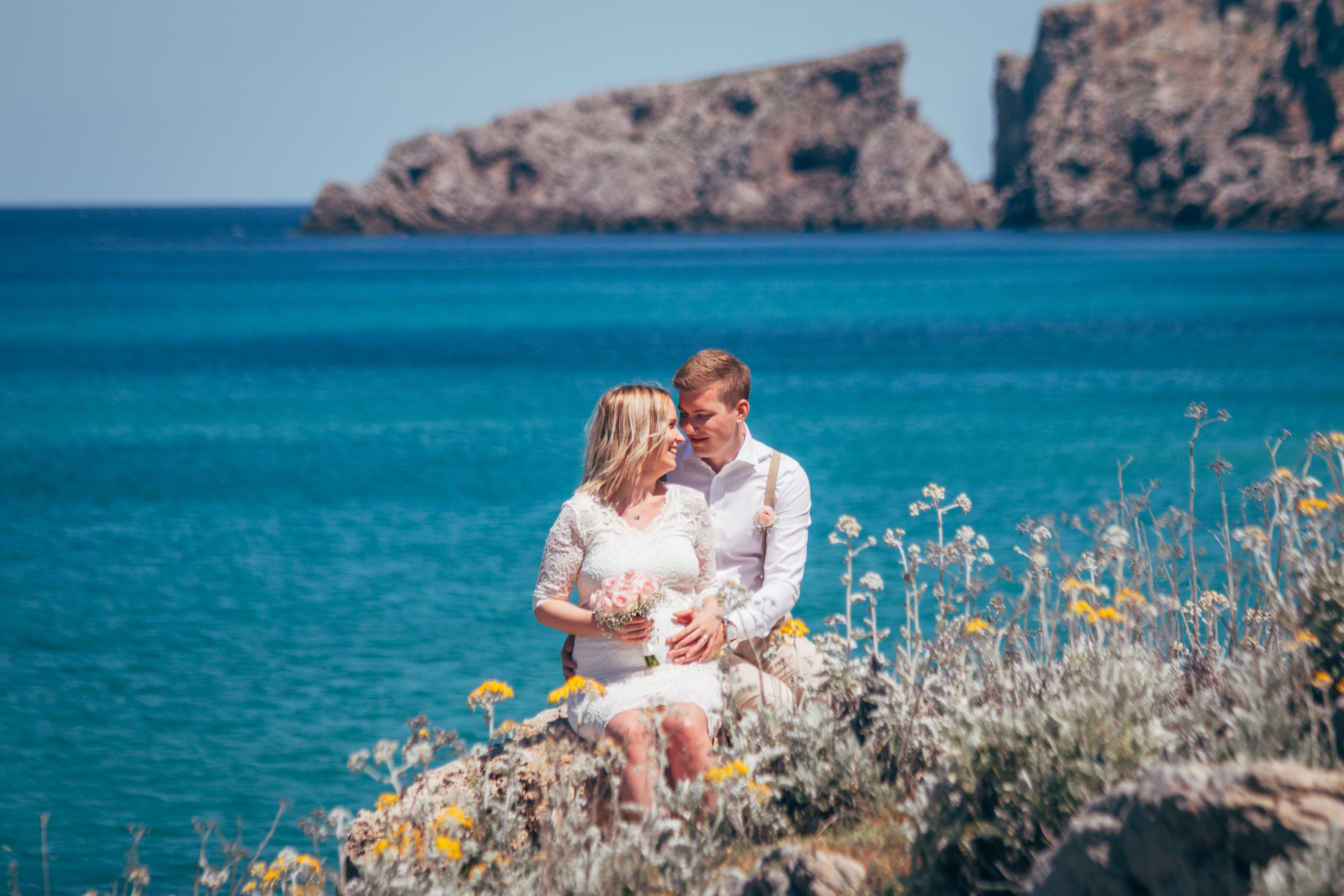 With the wind in my hair | Small ceremony in Cala Mesquida