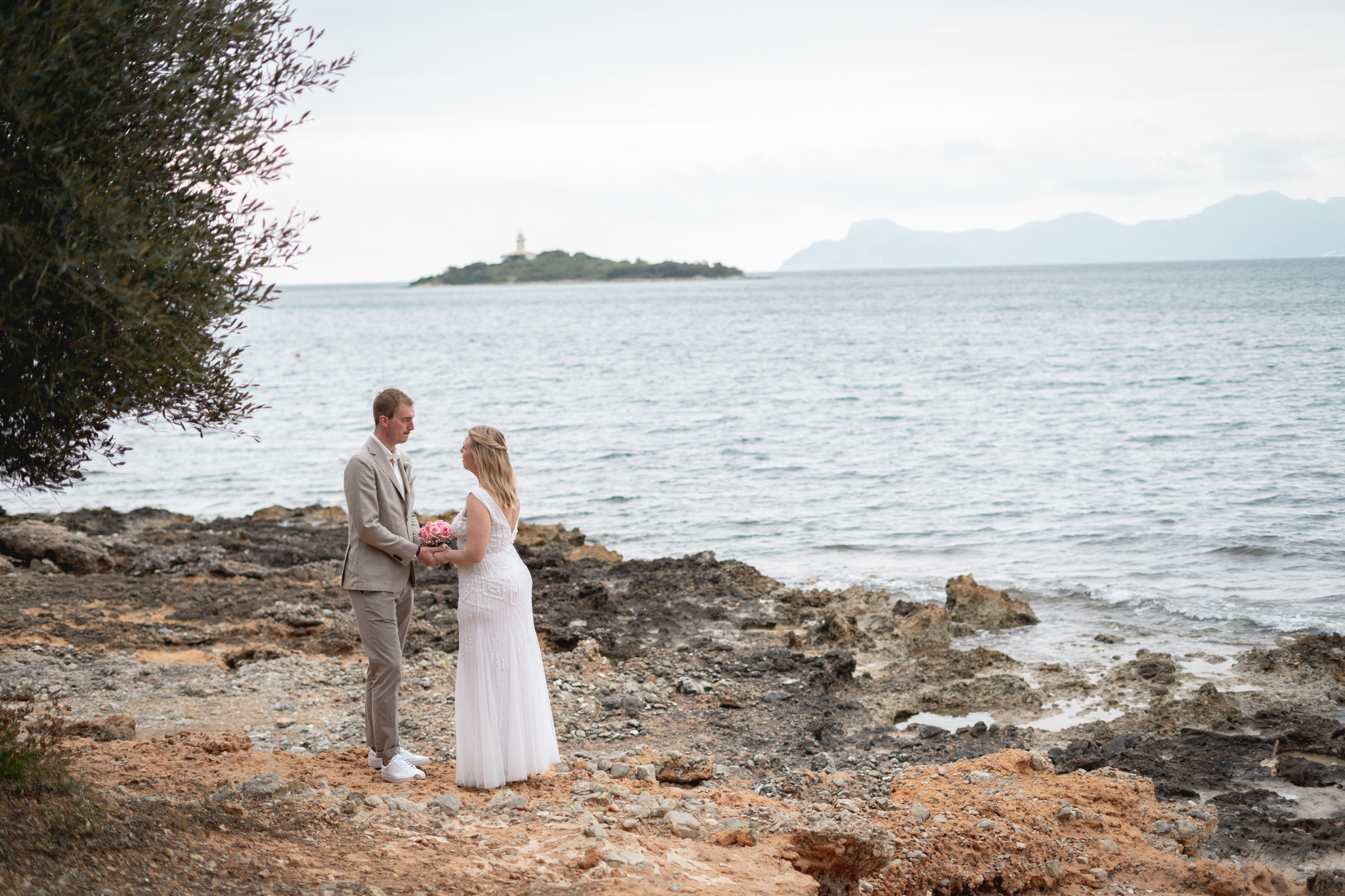 May wedding in Alcanada in Mallorca